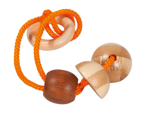 "IQ-Test bamboo string-puzzle in a case ""orange"""